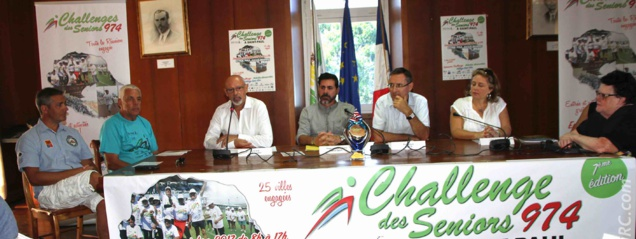 Président du CROMS, Philippe Fontaine aux côtés des représentants de la Ville de Saint-Paul, de la Caisse Réunionnaise des Retraites, et de plusieurs partenaires privés et institutionnels.