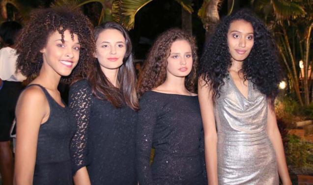 Il y a eu aussi un show mode avec les candidates Elite Model Look Reunion Island 2016