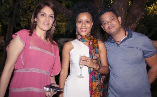 Faiza Ibrahim, du Protocole Villa du Département, et des invités