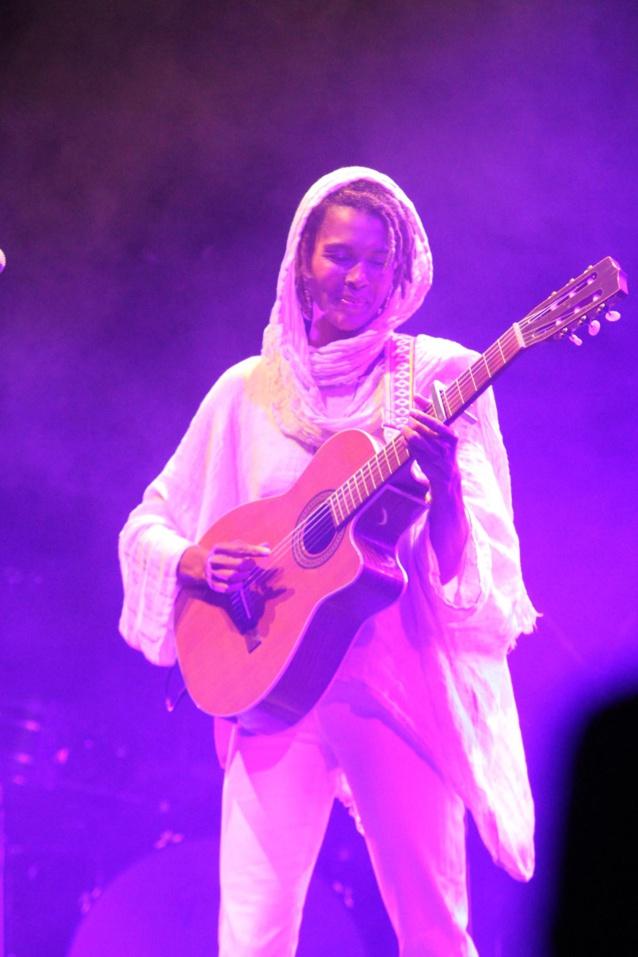 Le succès est toujours dans ses cordes, Ayo a été ovationnée sur la scène du Salahin