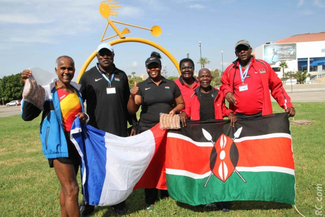 Jean-Pierre Vee a rencontré les champions Kényans à qui il a remis quelques saucisses d'or de Cambuston