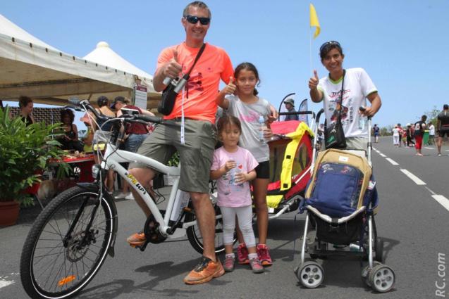 Fannie, Laurent, Chloë et Manon. Fannie arborait le joli tee-shirt du Trail du Volcan, course à laquelle elle a participé cette année.
