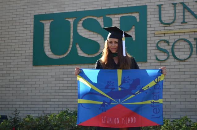 Le drapeau réunionnais devant l'Université de Floride... (photo DR)