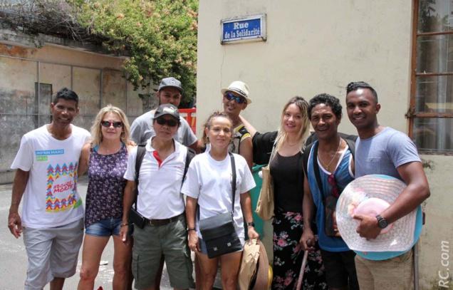 Rencontre dans les rues de Port-Mathurin, rue de la Solidarité. Cela ne s'invente pas...