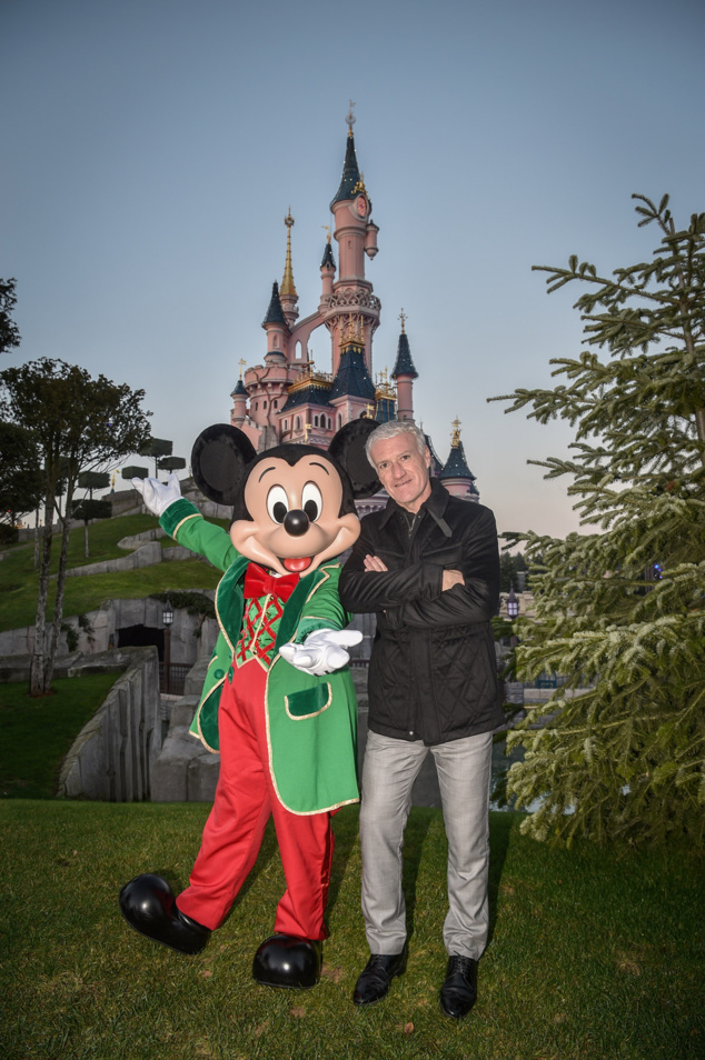 Christophe Maé, Teddy Riner et Didier Deschamps à Disneyland Paris!