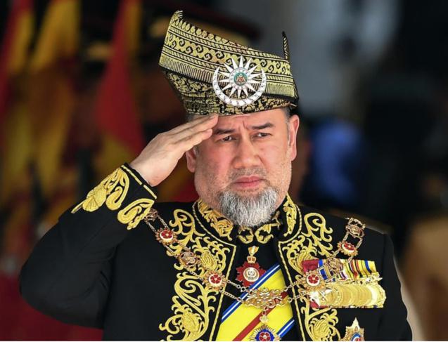Par amour, le roi a abdiqué après deux ans de règne