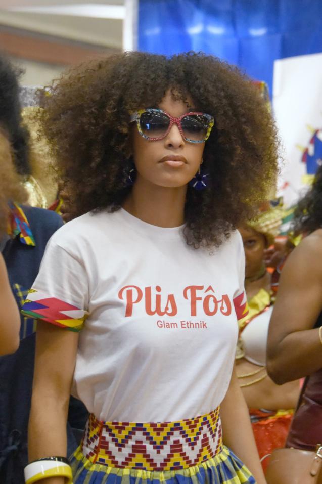 Défilé Glam Ethnik (Ayden). Ophély Mézino (1ère Dauphine Miss France 2019).