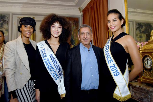 Sandra Bisson, Ophély Mézino, Aziz Patel, et Vaimalama Chaves