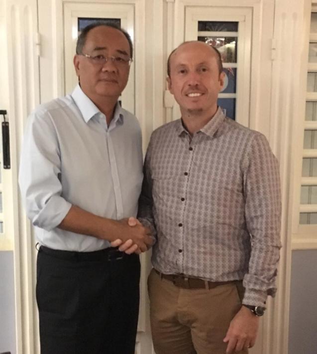 Eric Leung et Dominique Vienne, passage de témoin