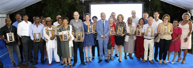 19 Réunionnais reçoivent le Prix Départemental du Mérite
