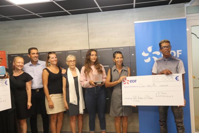 «Les Amis de l'Océan Indien» remporte le prix Régional de 10.000 volts, soit la somme de 10 000€