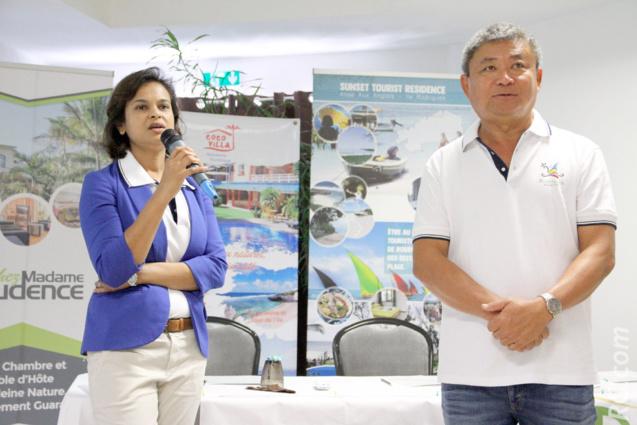 Paméla Sooprayen-Kwet O, Chef de Cabinet à l'Assemblée Régionale de Rodrigues, et Alain Wong So, vice-président de l'ATR
