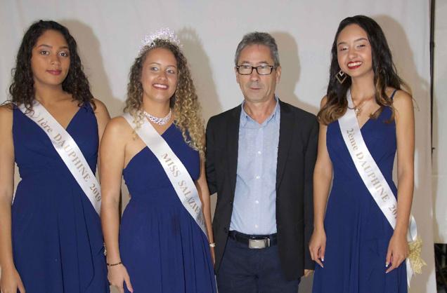 Les lauréates avec Mario Moreau du Comité Fêtes et Traditions