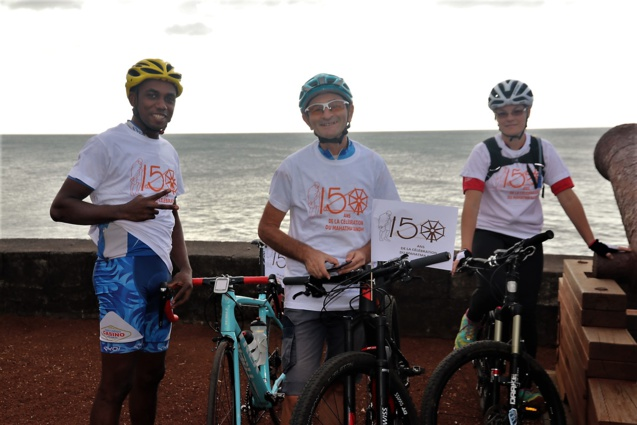 Balade en vélo pour fêter l'anniversaire de la naissance de Mahatma Gandhi