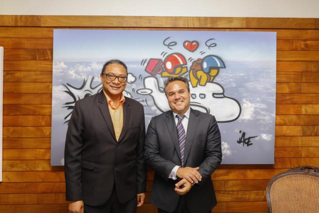 tephan Toussaint, Ministre de la Jeunesse et des Sports  de Maurice, également président du Comité d'Organisation des Jeux des Iles, et Didier Robert, président de la Région Réunion