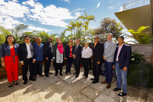 Les officiels présents à la Région à l'occasion de cette visite