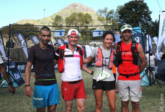 Les trois premiers des 50 km en compagnie de Léa Cavelier, victorieuse des 25 km