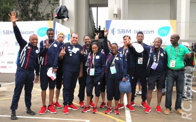 Le sport adapté emmené par Georges-Marie Nacoulivala, accueilli ici par Rama, ancien athlète et responsable de la logistique à Bambous