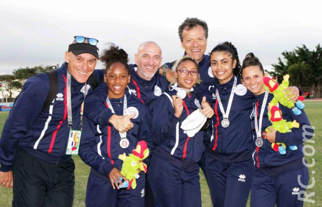 Une médaille d'argent pour nos relayeuses du 4x100 m félicitées par Jean-Marc Hardy, Alexandre Vallon-Hoarau et Jean-Louis Lebon