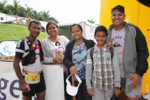 Vishal Itoo félicité par les siens