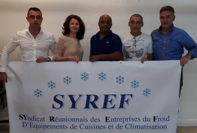 Yolaine Payet et les membres du bureau du SYREF