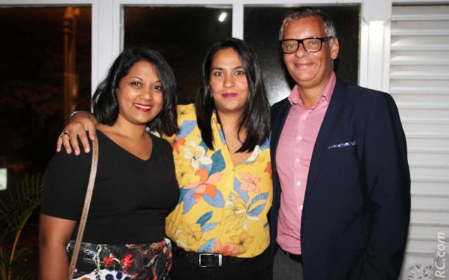 Nathalie Ajaguin, Zahedad Galhed, et Robert Bourquin, directeur de Air Mauritius à La Réunion