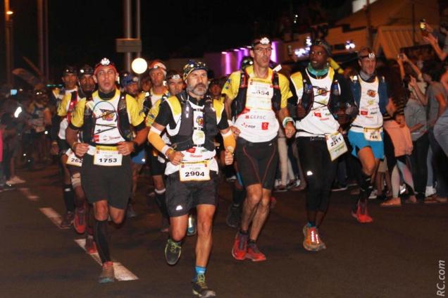 Le Boulevard Hubert Delisle à Saint-Pierre envahi par plus de 2700 traileurs et 20 000 spectateurs