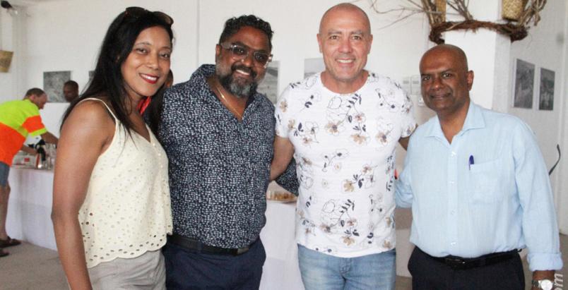 Dominique Barret, son producteur, et le directeur de Mourouk Ebony, Nanda Appavoo