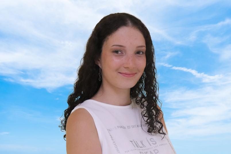 N°12: Samantha Turpin - 17 ans - 1m79