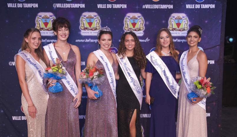 Miss Plaine des Cafres 2019 et Miss Plaine des Cafres 2018 avec leurs dauphines