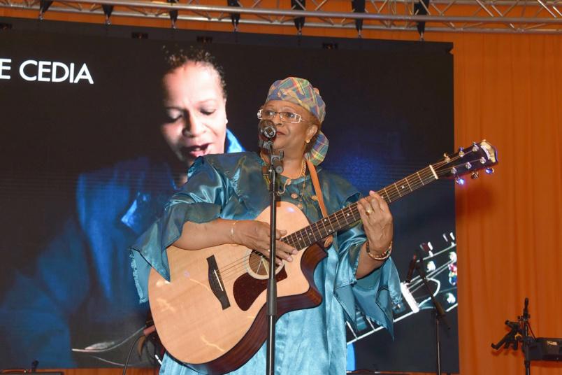 La chanteuse guyanaise, Sylviane Cédia.