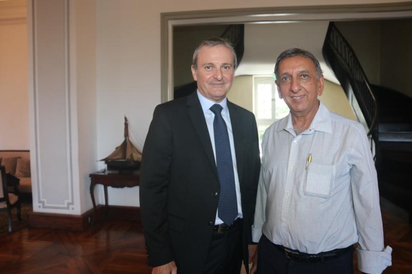 Le Préfet Jacques Billant et Aziz Patel, directeur de publication d'Exclusif Réunion