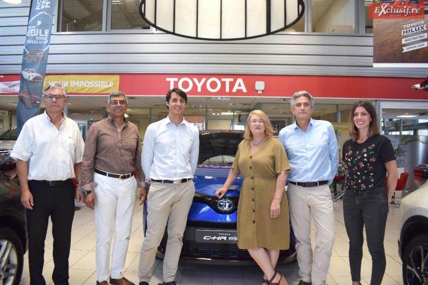 L'équipe CMM lors de la présentation presse: Philippe Castreul, conseiller commercial Toyota, Raman Badat, chef des ventes Toyota, François Malgras, chef de produit CMM, Sylvia Tilly, gestionnaire marketing, Daniel Mackowiak, directeur des marques Toyota et Ford, et Claudia Chanca, conseillère commerciale Toyota