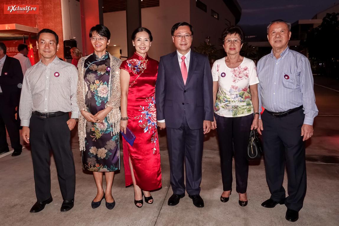 Dong Zhijiao, son époux Chen Zhihong, et le couple Allane-Allion