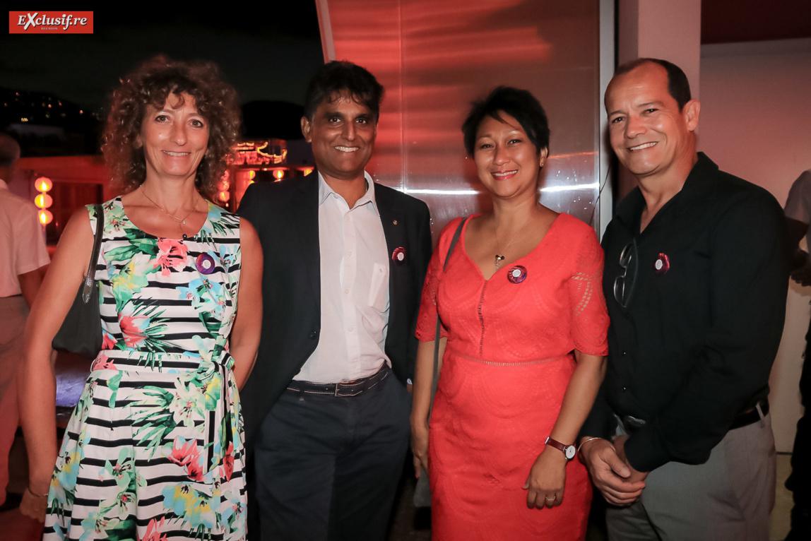 Marie-Pierre et Daniel Ramsamy, délégué régional Orange, Françoise Lambert, adjointe à la maire de La Possession et son époux