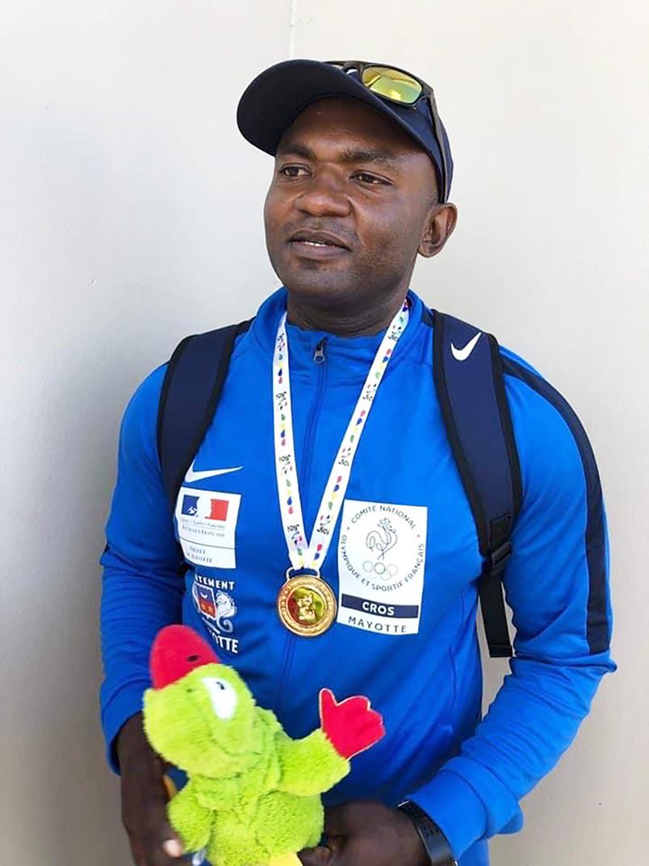 Le champion mahorais Ali Soultoini, médaillé d'or du javelot aux Jeux des Iles