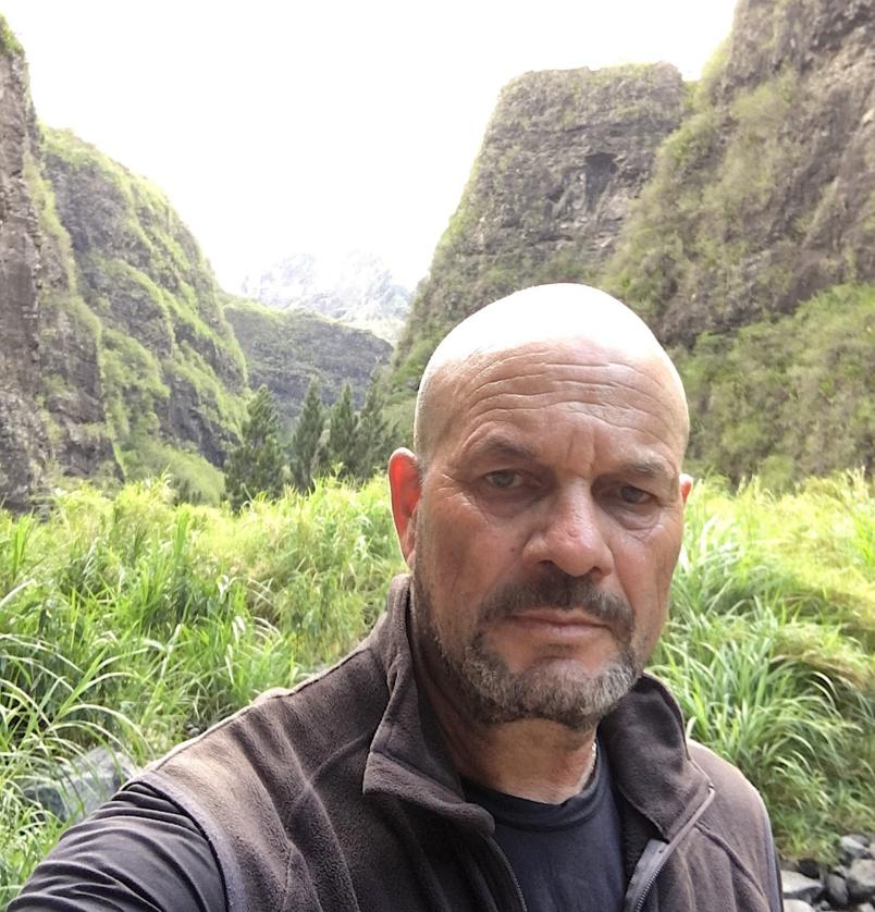 Sully Damour avait collaboré avec la Maison de la Montagne dans le lancement du Cross du Piton des Neiges aux côtés de Axel Hoareau, Roger Fagonde, Jean-Jacques Mollaret...