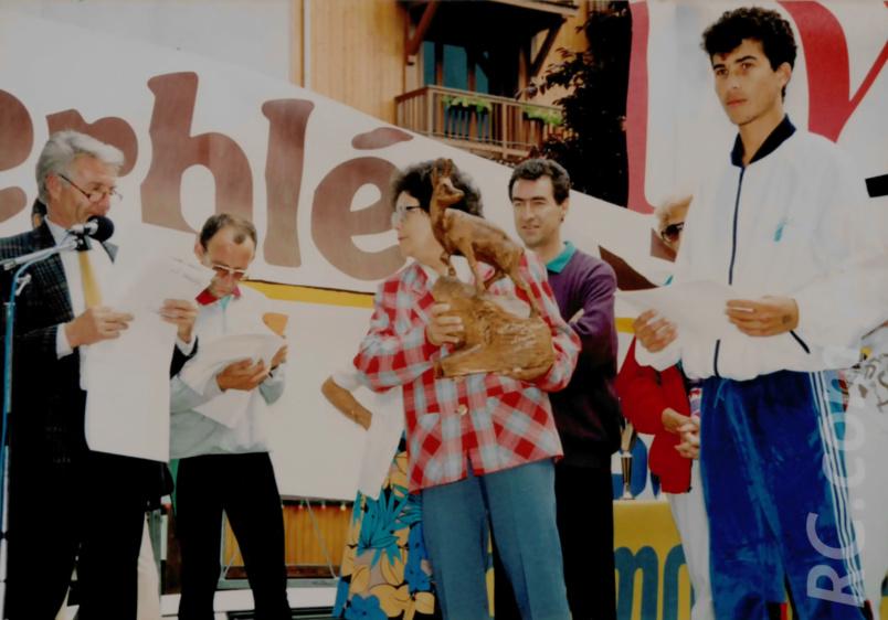 A Chamonix en 1991, elle recevait un Trophée souvenir de la ville d'accueil sur le podium du Cross du Mont-Blanc