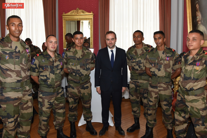 Le Ministre des Outre-mer et les soldats réunionnais du SMA