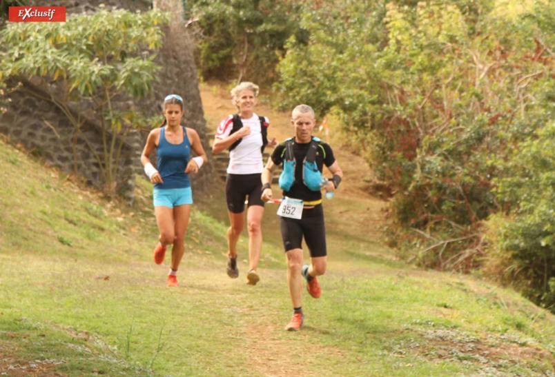 Estelle Perrière encouragée par Lou, sa fille championne de triathlon
