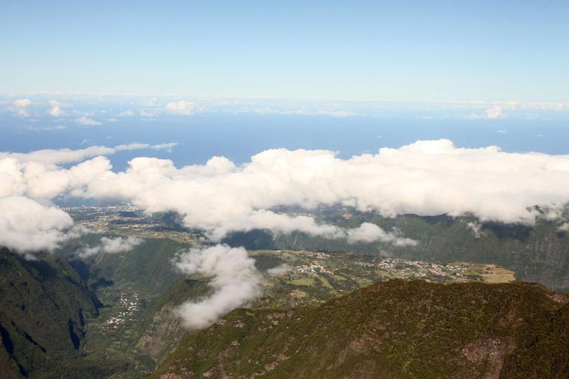 À partir du Morne de Langevin, vue panoramique sur la région de Saint-Joseph: La Rivière des Remparts, Grand Coude...