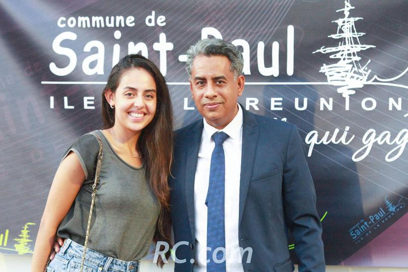 Salim Omarjee, adjoint au maire de Saint-Paul, et sa fille venus encourager les participants