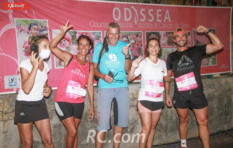 Nathalie Bourcier et Michel Jourdan de l'association Odyssea partagent leur joie avec des participants