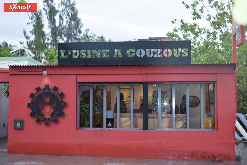 """""""L""""Usine à Gouzous"""" à l'avant, et la Galerie Very Yes à l'arrière"""