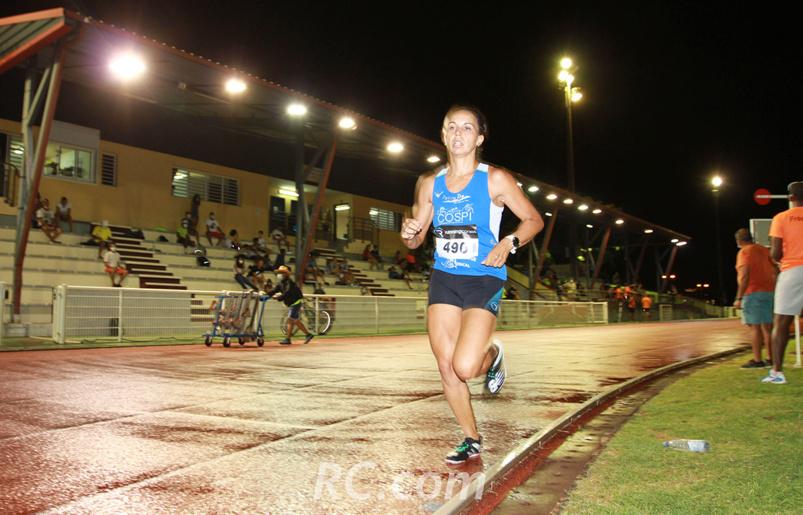 La course en solitaire de Emma Métro sur le 3 000 mètres