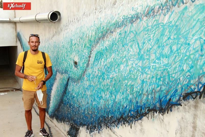 7 Spray, artiste, devant «son» baleineau !