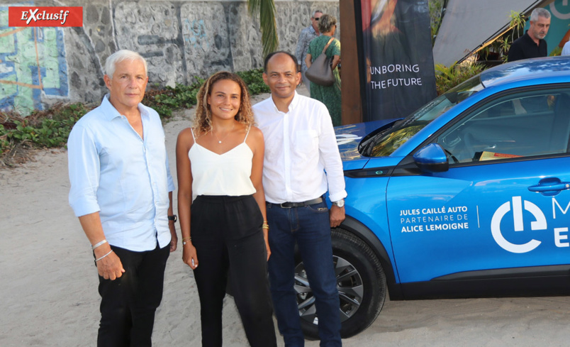 François Caillé, Alice Lemoigne et Emmanuel Séraphin devant le 2008 Electric