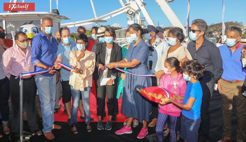 Ericka Bareigts, maire de Saint-Denis, a inauguré l'attraction avec les personnalités présentes