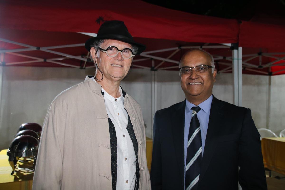 René-Louis Pestel, adjoint au maire de Saint-Denis, et Marie-Joseph Malé, président d'Air Austral