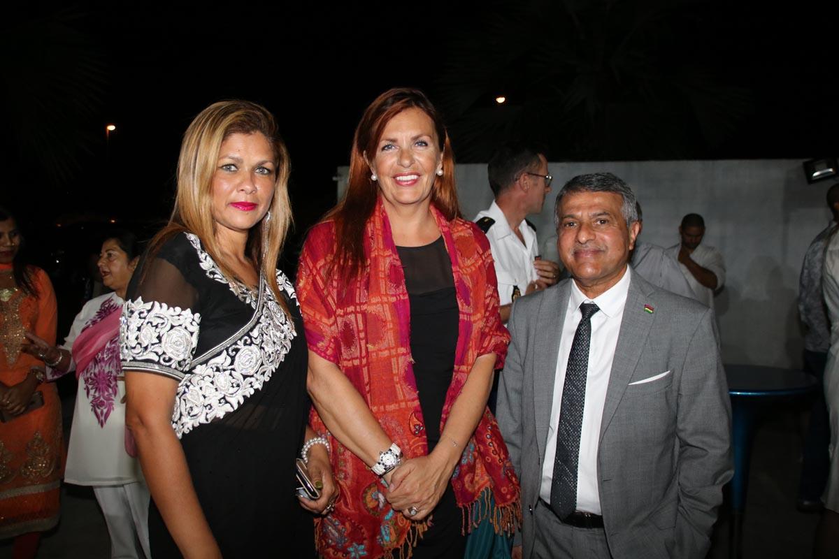 Karine Nabénéza, Evelyne Charlanes, consule honoraire de Norvège à La Réunion, et Younous Ravate, consul honoraire de Maurice à La Réunion